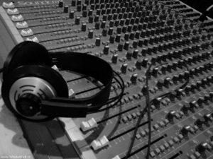Contacto Avispa Music